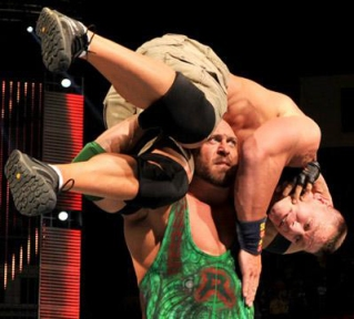 20130408_raw_cena_henry_ryback_light_r1